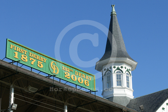 Churchilldowns_spires06